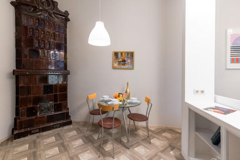 Апартаменты-студио «Royal на Большом 82»